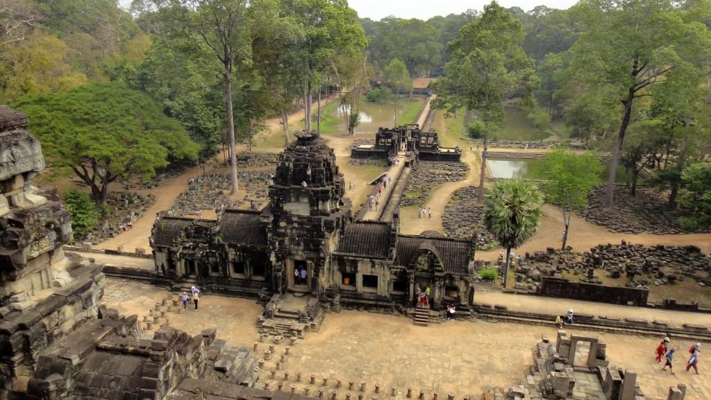 Ruine d'un temple d'Angkor au coeur de la forêt