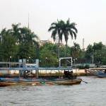 Rive du fleuve Chao Phraya depuis le ferry