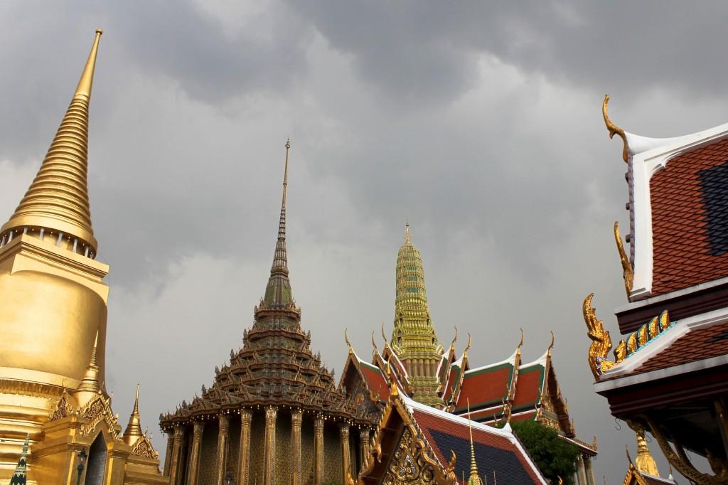 Toits des temples entourant le palais royal