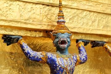 Statue au Wat Phra Kaeo