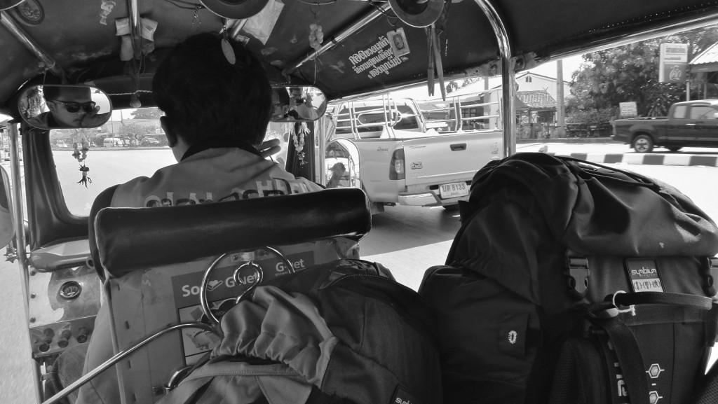 Tuk-tuk pour aller de la gare du train à Aranyaprathet vers la frontière de Poipet