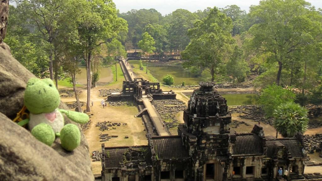 Ginette heureuse d'être arrivée aux temples d'Angkor !