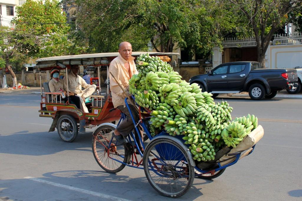 Livreur de bananes en cyclo-pousse