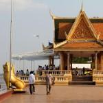 Pagode au bord du Tonlé Sap
