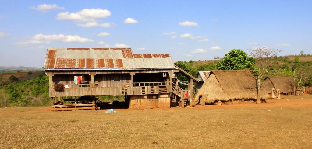 Quelques maisons traditionnelles du village de Putang