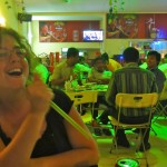 Karaoké dans un restaurant khmer