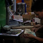 Bureau de change improvisé au marché de Bogyoke