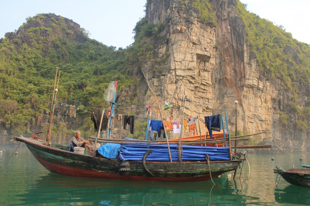 Pêcheur vivant sur son bateau