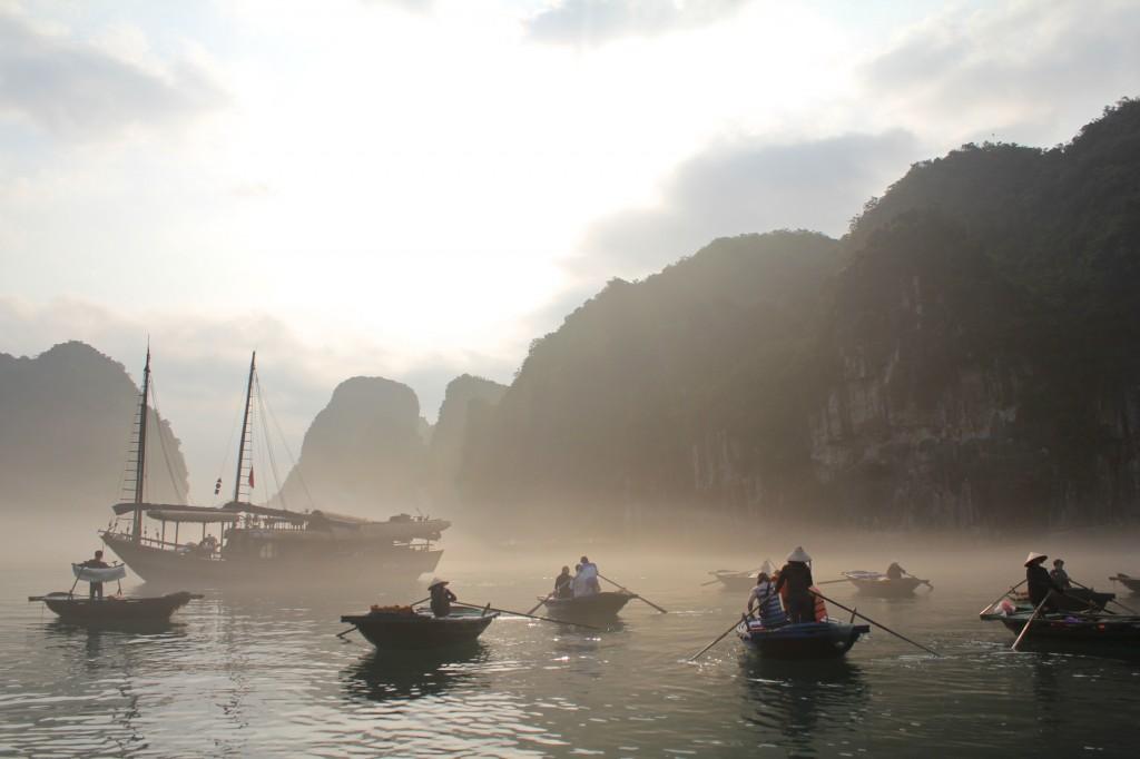 Virée en barque dans un village de pêcheurs