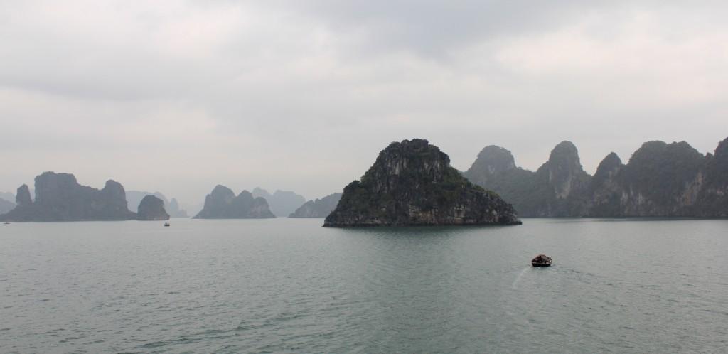 Les îles de la baie d'Halong