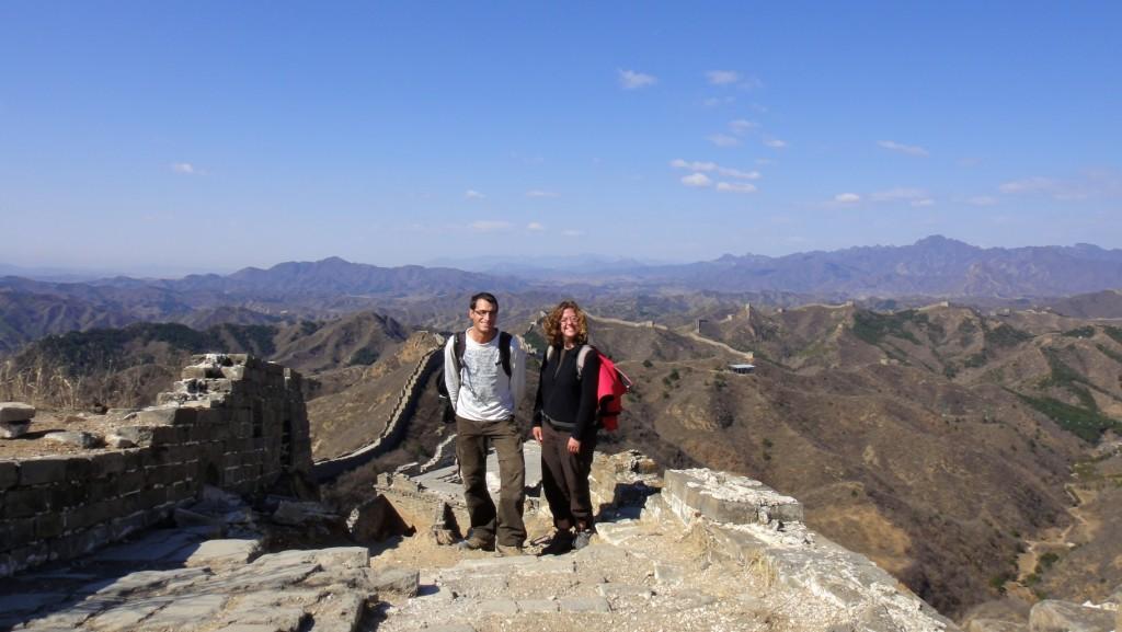 Cliché pris par notre première rencontre humaine sur la muraille au bout de 2 heures de marche !