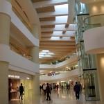 Galerie marchande au design digne d'un musée d'art contemporain