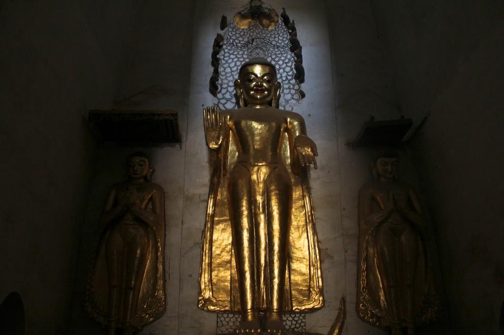 Bouddha mystérieux dans le temple Naganon