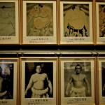 Sumos célèbres dans le musée des sumos au Ryogoku Kokugikan