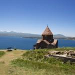 L'église d'Aïravank autour du lac Sevan
