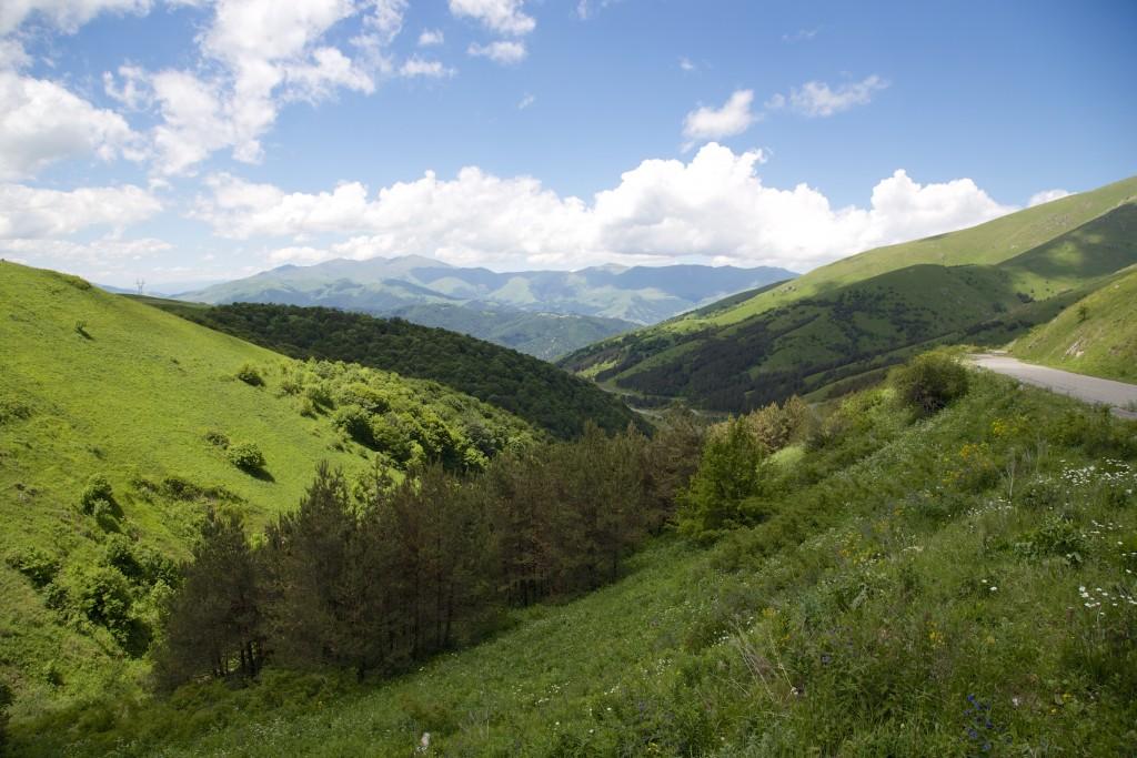 Panorama du nord de l'Arménie depuis le col de Sevan à 2100m d'altitude