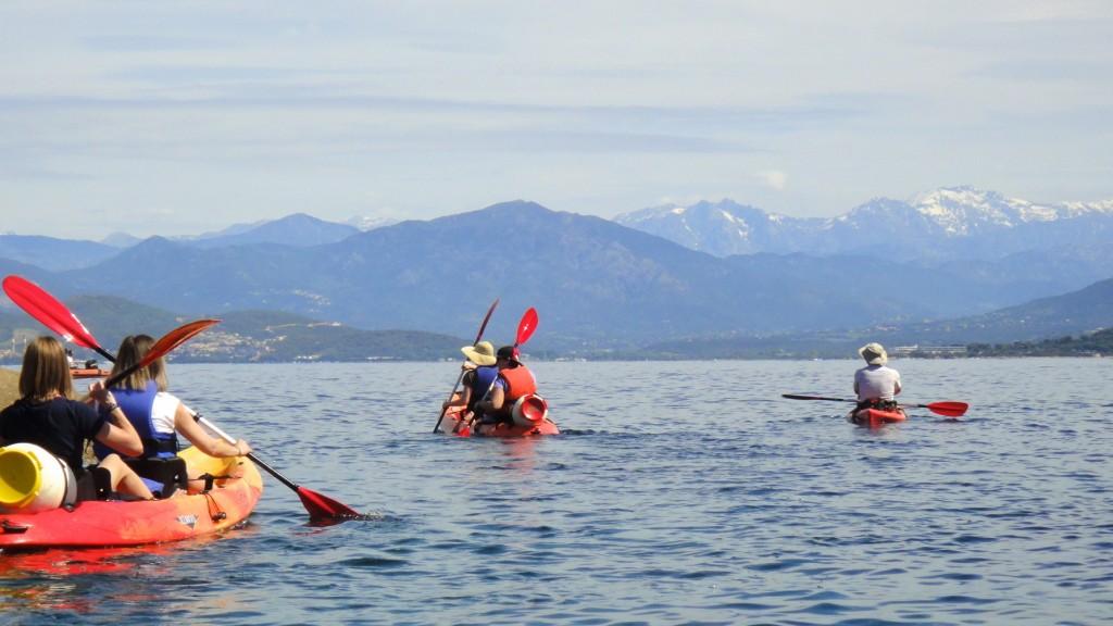 Panorama sur les massifs  montagneux corses sur nos Kayaks de Cors'Aventure