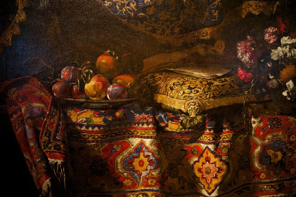 """La douceur du tapis de la toile """"Nature morte aux fruits et au tapis"""" de Noletti est presque à porté de main, n'est-ce pas ?"""