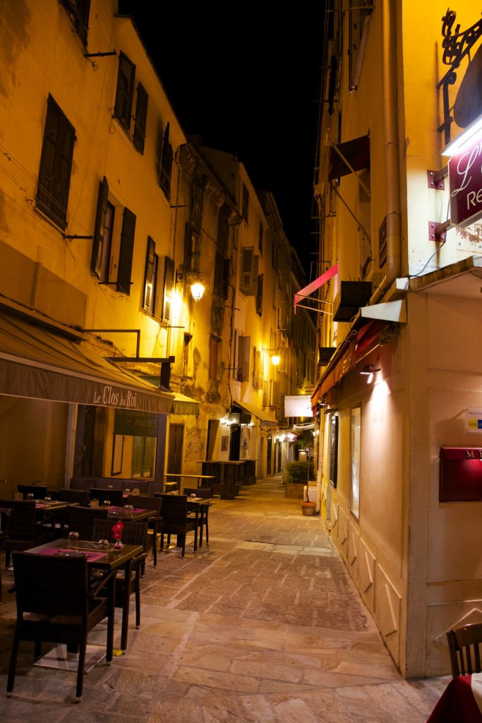 Ruelle d'Ajaccio de nuit