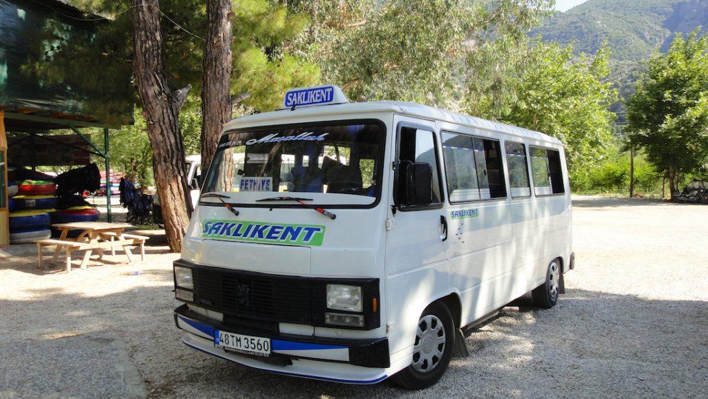 Dolmus pour se rendre dans les gorges de Saklikent en Turquie