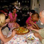 L'hospitalité marocaine autour d'un couscous
