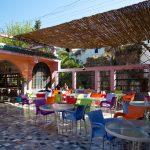 Une des terrasses du café Noria