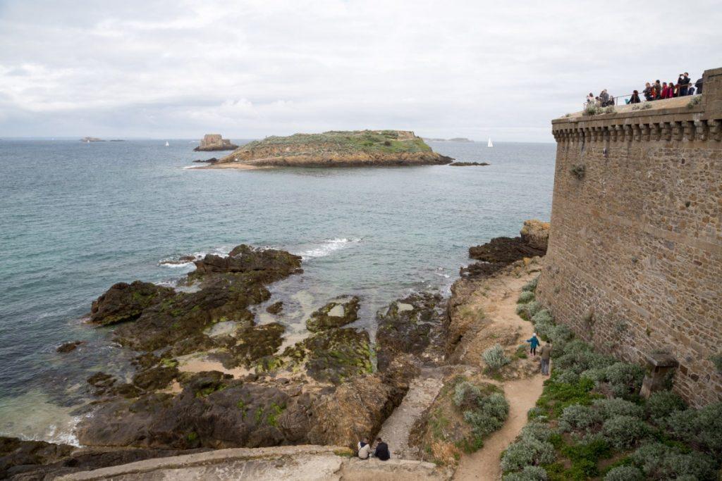 Sur les remparts de Saint-Malo