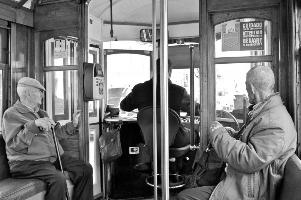 A bord du tram 28 comme au siècle dernier