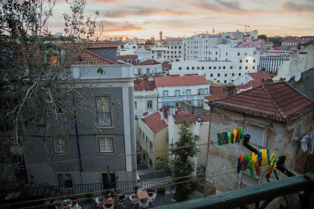 La place Largo dos Trigueiro vue depuis notre Airbnb