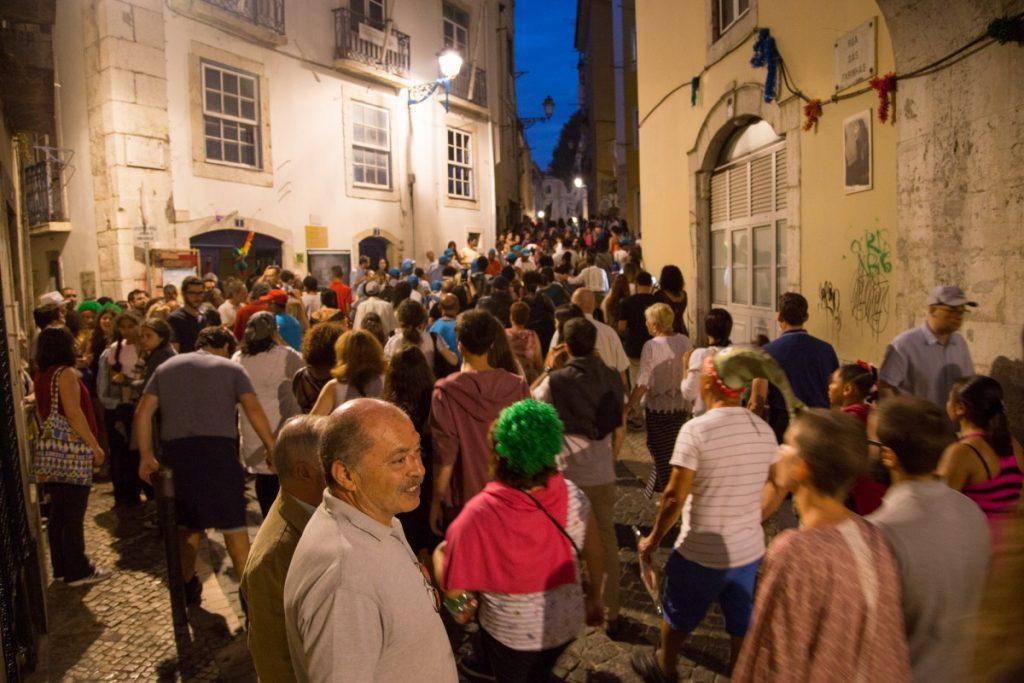 Ruelle bondé dans la nuit du 12 au 13 juin à Lisbonne