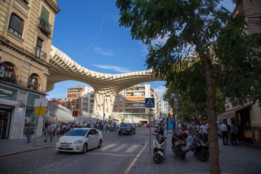Le Metropol Parasol en plein Séville