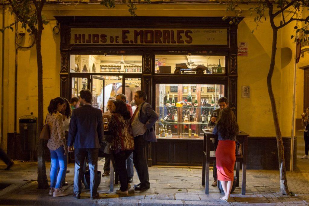 Soirée dans les ruelles de Séville