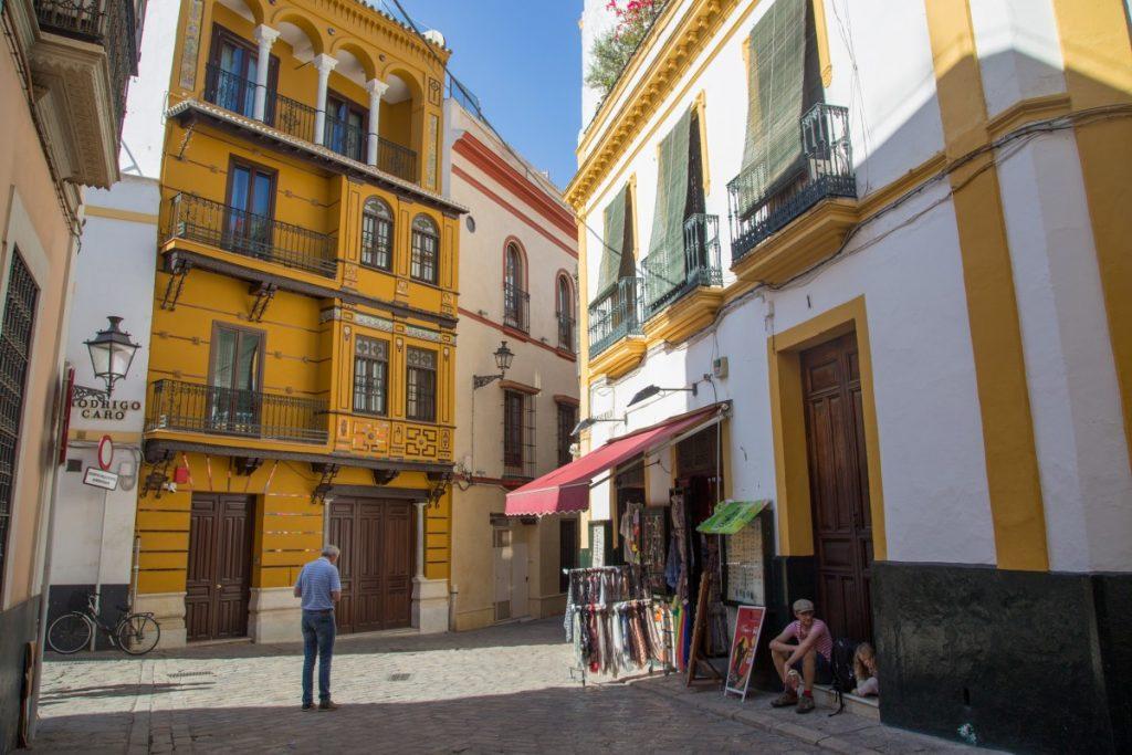Flâner dans les rues colorées de Séville