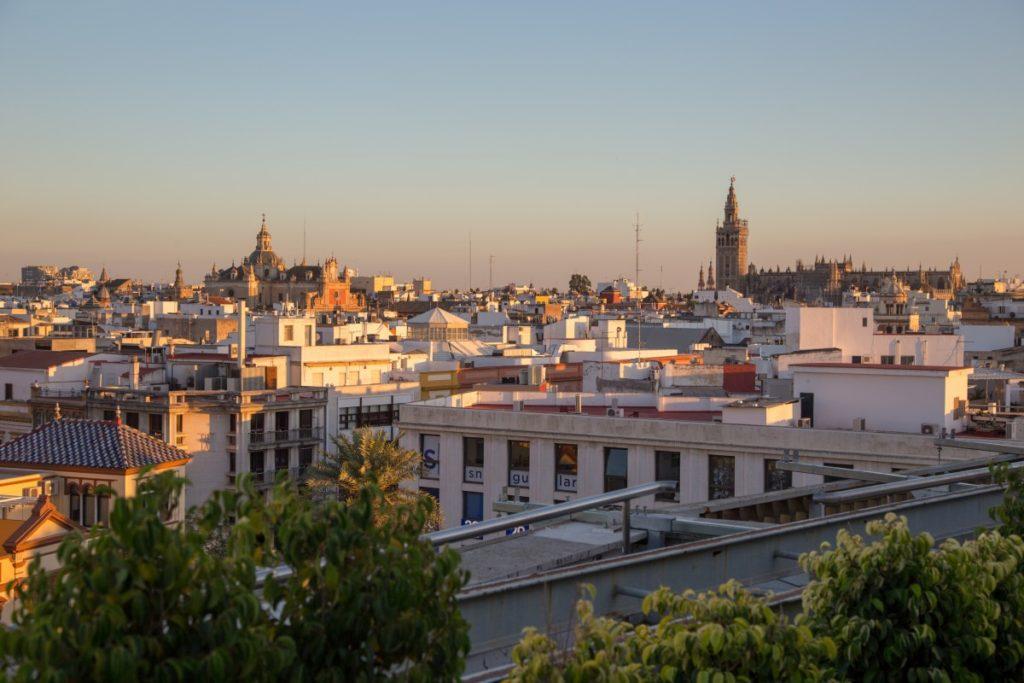 Vue sur le toit-terrasse du Corte Ingles à Séville