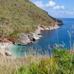 Magnifiques côtes rocheuses dans la réserve du Zingaro à 80 km de Palerme