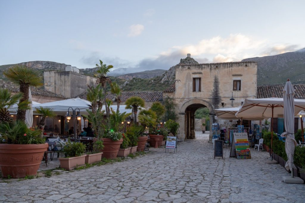 Baglio du petit village de Scopello à l'entrée du parc du Zingaro