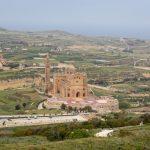 Basilique Ta'Pinu en gravissant le chemin du pèlerinage
