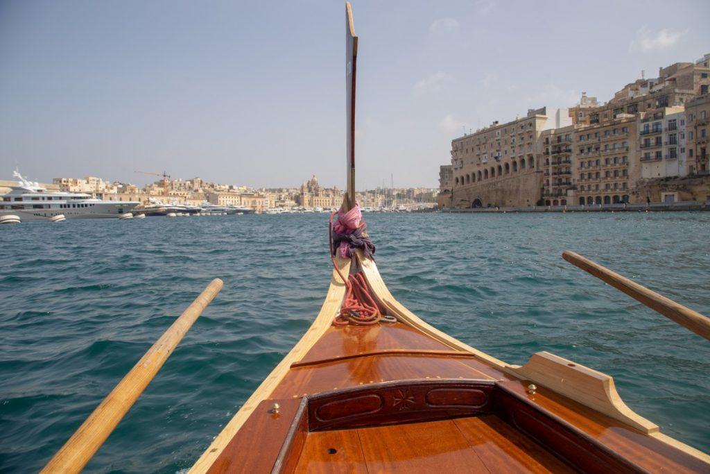La traversée en bateau entre la Valette et les Trois Citées