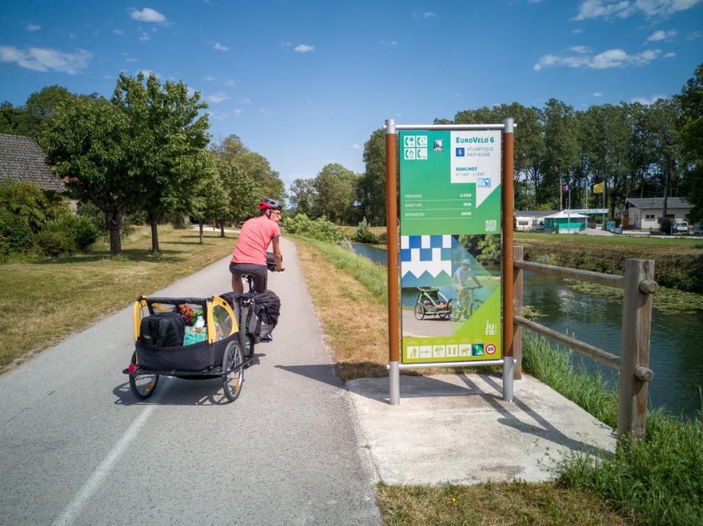 L'Eurovélo6 en famille entre Besançon et Dole