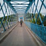 Pont amusant pour rejoindre Avanne-Aveney