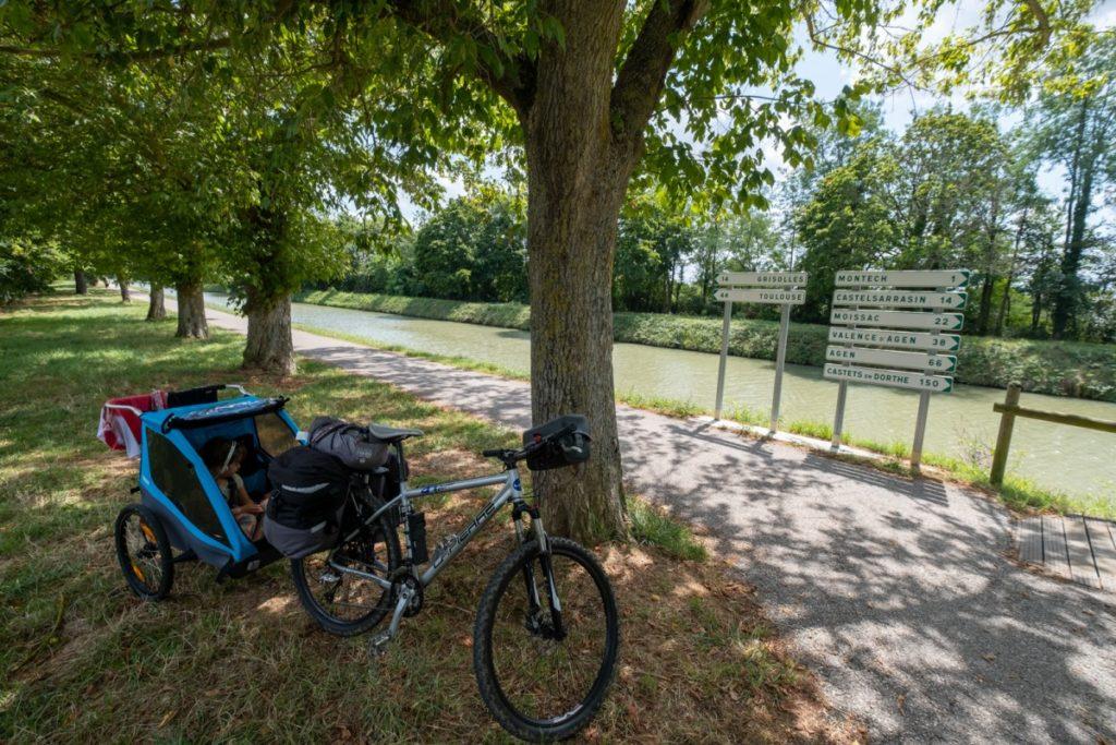 Canal des 2 mers à vélo avec des enfants