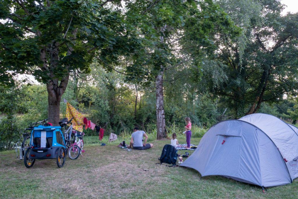 Cyclotourisme et camping en famille sur le Canal des 2 mers à vélo