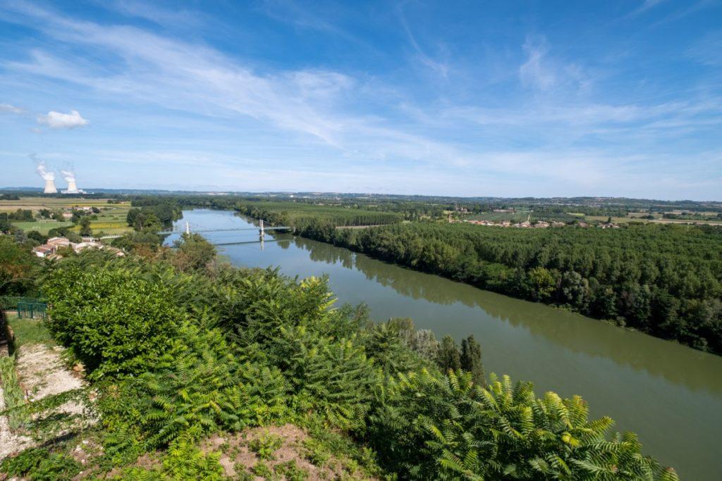 Vue sur la vallée de la Garonne depuis Auvillar