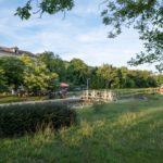 Ecluse réhabilitée en auberge sur la Canal de la Garonne