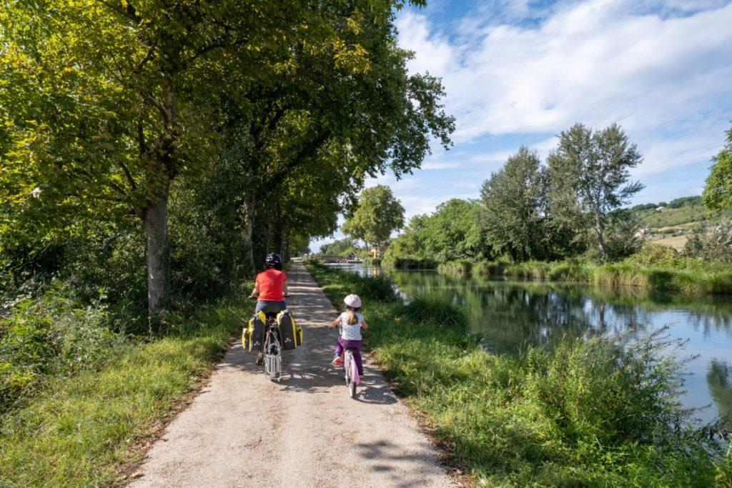 Pédalage contemplatif sur le Canal des 2 mers à vélo