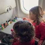 Occuper ses enfants dans l'avion