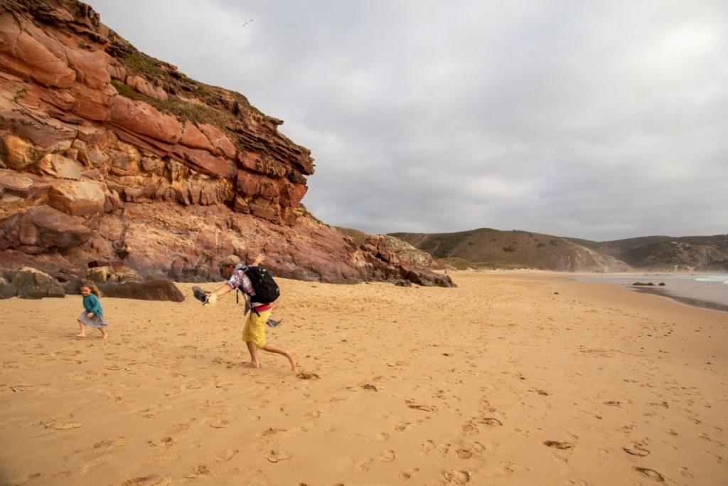 Parties de touche-touche sur les plages de l'Algarve