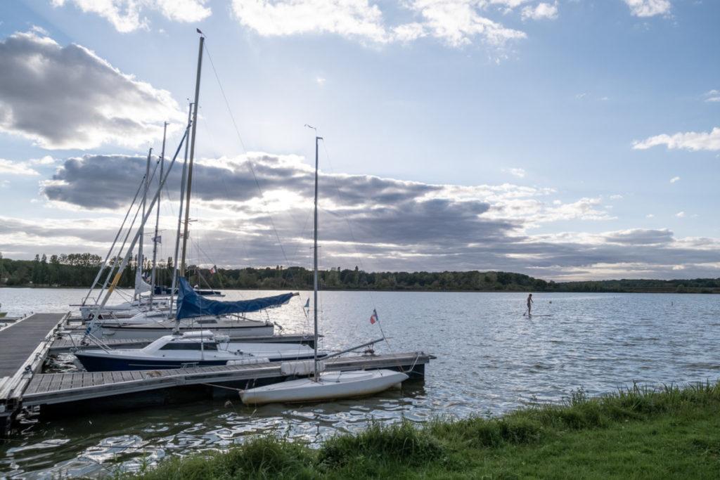 Paddle sur le lac de Baye au coucher du soleil