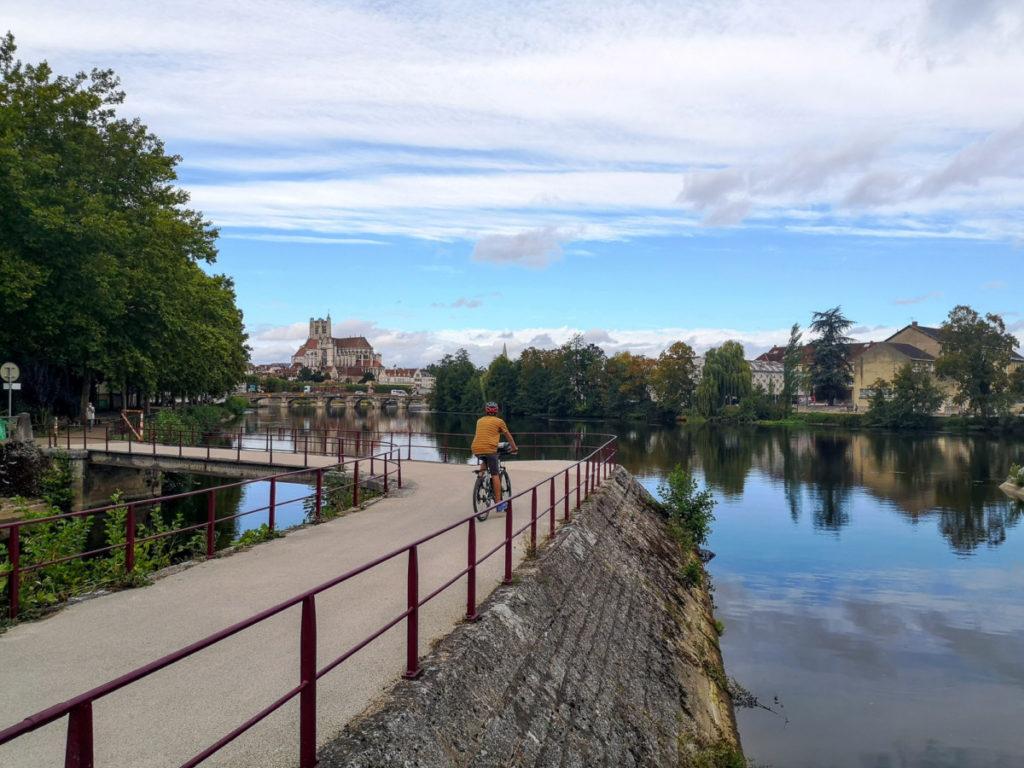 Arrivée à Auxerre à vélo