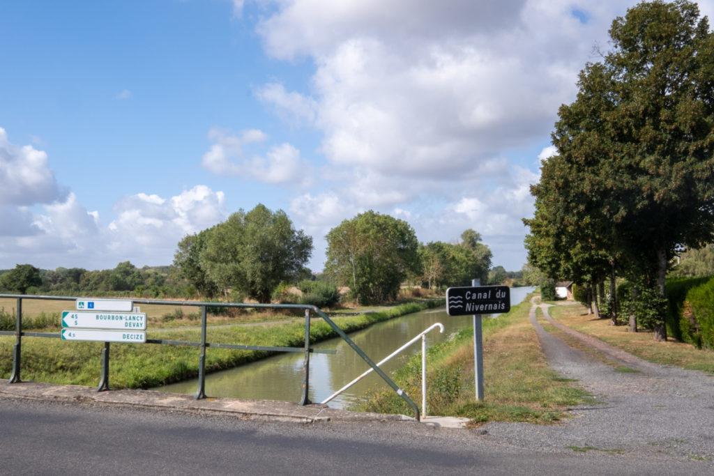 Le canal du Nivernais à vélo en Bourgogne
